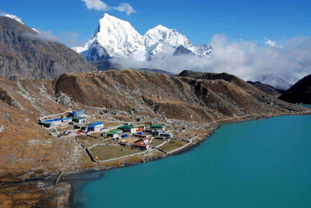 Everest via Gokyo Lakes 1
